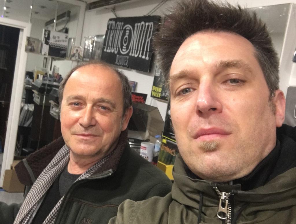 Selfie de Philippe et Stéphane du magasin de disques Trou Noir à Nîmes.